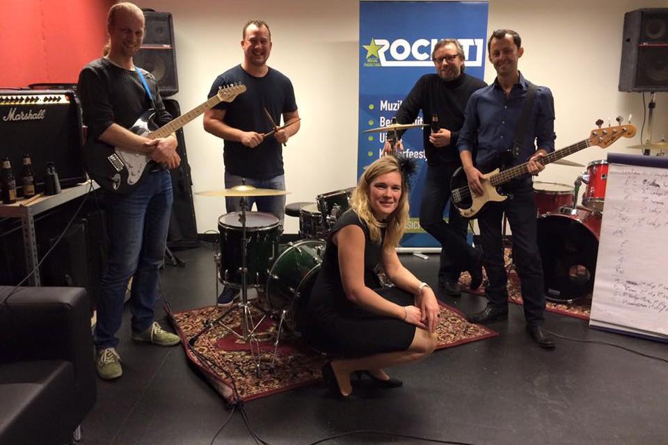bedrijf popband rockit den haag vrijgezellenfeest